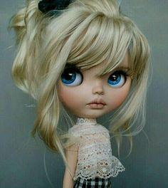 Soy una Rubia munequita muy peligrosa 😂😂😂 Pretty Dolls, Beautiful Dolls, Ooak Dolls, Blythe Dolls, Mery Crismas, Anime Dolls, Little Doll, Custom Dolls, Ball Jointed Dolls