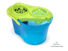 Ecofrego, un cubo de fregar con dos compartimientos que separan el agua limpia de la sucia. Una ligera modificación del cubo de fregar tradicional que ahorra agua, jabón y trabajo. http://ecoinventos.com/ecofrego/