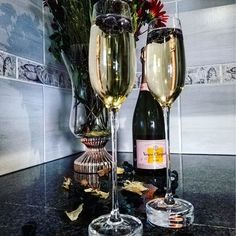 Champagne Glasses, Party Drinks, Flute, Cheers, Wine Glass, Celebration, Bubbles, Bar, Canning