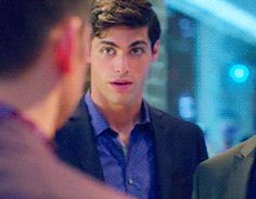 Alternate univer Alexander checking not so subtile alternate universe Magnus out ... From the tv serie Shadowhunters ... the mortal instruments, magnus bane, alexander 'alec' lightwood, shadowhunters, matthew daddario, harry shum jr