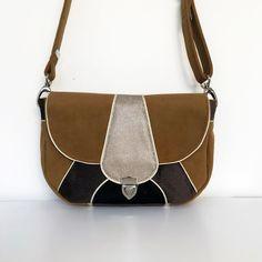 Patron de la Besace Vegas Bag Patterns To Sew, Pdf Sewing Patterns, Vegas, Next Bags, Unique Bags, Digital Pattern, Bag Making, Saddle Bags, Leather Bag