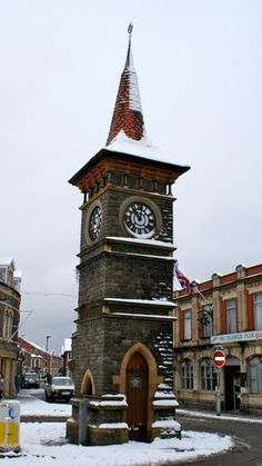 My home. Clock Tower in Clevedon, Somerset, England Outdoor Clock, Somewhere In Time, Unique Clocks, Modern Buildings, Wall Treatments, Great Britain, Beautiful Places, Somerset England, Around The Worlds