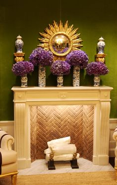 Luscious color combo: deep mossy green and a vibrant purple.  With a little gold accent?  Mahvelous!