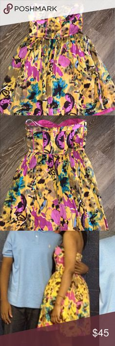 Boutique dress by Aryn K. Very cute and flattering dress with a sweetheart neckline. Can be dressed up for wedding season or date night. AKIRA Dresses Strapless