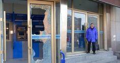 #HeyUnik  Frustrasi gara-gara Mesin ATM Tidak Mau Mengeluarkan Uang, Nenek Berusia 88 Tahun Ini… #Ekonomi #Sosial #Unik #YangUnikEmangAsyik