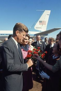 Not published in LIFE. John and Jackie Kennedy at Love Field in Dallas, Texas, on November 22, 1963.