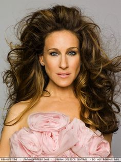 Google Image Result for http://fashionprose.files.wordpress.com/2010/05/sjp-curly-hair-pretty.jpg%3Fw%3D600