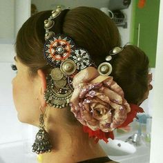 tribal hair fashion beads, pins, flowers metal. Love it.