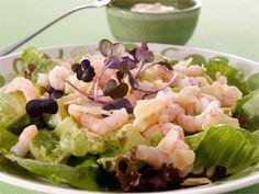 Avokado-limettisalaatti Pasta Salad, Cobb Salad, Potato Salad, Food And Drink, Potatoes, Ethnic Recipes, Projects, Crab Pasta Salad, Log Projects