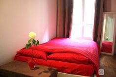 Le Vallery - All things bright and beautiful - near the Parc Monceau - in the hip, charming Batignolles neighborhood. Sleeps 2 persons. Available in June.