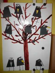 Easy Christmas Classroom Decorations you'll have to check out before you scroll up Winter Crafts For Kids, Autumn Crafts, Diy For Kids, Kindergarten Art Projects, Decoration Christmas, Bird Crafts, Winter Art, Autumn Theme, Art Activities