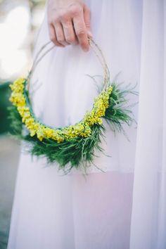 How to Make the Midsummer floral crown DIY Diy Flower Crown, Diy Flowers, Paper Flowers, Wedding Flowers, Flower Crowns, Green Wedding, Floral Wedding, Crafts For Kids, Diy Crafts