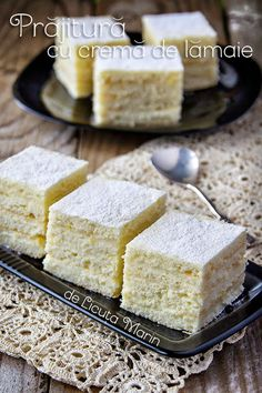 Din bucătăria mea: Prajitura cu crema de lamaie Romanian Food, Something Sweet, Cornbread, Biscuits, Sweet Tooth, Deserts, Food And Drink, Cooking Recipes, Sweets