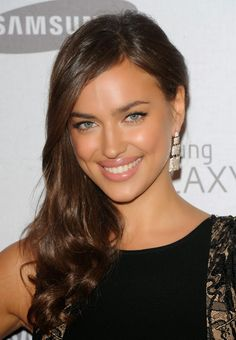 Irina Shayk Photo: This Photo was uploaded by kgourgues. Find other Irina Shayk pictures and photos or upload your own with Photobucket free image and v. Brown Blonde Hair, Brunette Hair, Medium Blonde, Brunette Color, Irina Shyak, Natural Makeup For Brown Eyes, Belle Silhouette, Grunge Hair, Brown Hair Colors