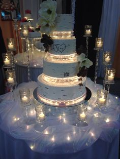 This is soo cool - hochzeit - Happy Wedding Bling Wedding Cakes, Wedding Cake Stands, Elegant Wedding Cakes, Beautiful Wedding Cakes, Wedding Cake Designs, Wedding Desserts, Beautiful Cakes, Wedding Table, Our Wedding