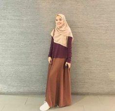 Ideas For Style Hijab Rok Jeans hijab casual rok Ideas For Style Hijab Rok Jeans Street Hijab Fashion, Abaya Fashion, Muslim Fashion, Modest Fashion, Skirt Fashion, Fashion Outfits, Fashion Muslimah, Style Fashion, Hijab Casual