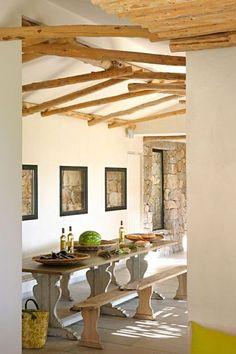I love beams!  Une salle à manger lumineuse et pleine de charme (cotemaison.fr)