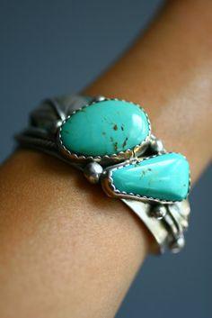 Vintage Artisan Signed Sterling Silver Turquiose Bracelet