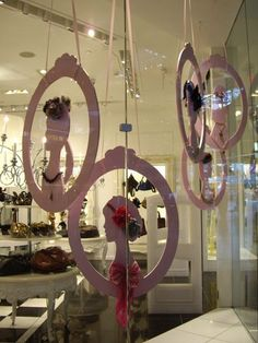 paper/foam board silhouettes #Window #Display Retail Details blog for display ideas-use dog silhouettes to display collars: