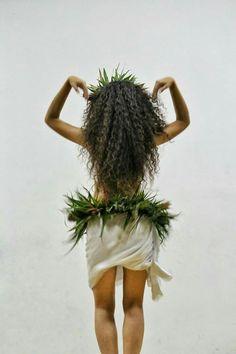 Must be the championships of Merries Monarch. my favorite Polynesian Dance, Polynesian Culture, Hawaiian Dancers, Hawaiian Art, Hawaii Hula, Aloha Hawaii, Islas Cook, Tahitian Costumes, Tahitian Dance