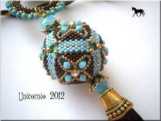 beaded bead: