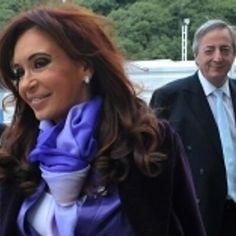Néstor y Cristina Cristina Fernandez, Nestor Kirchner, Elegant Woman, Pretty Woman, Rock And Roll, Rain Jacket, Windbreaker, Glamour, Ruffle Blouse