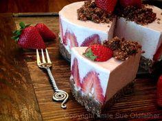 ...Strawberry Rhubarb Cream CakeNouveau Raw cheesecake  repas,  #food -  #recipe