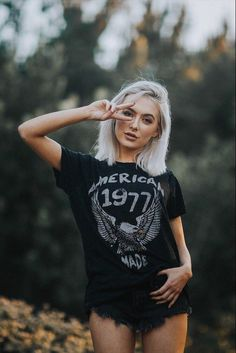 Life Clothing Co American Made Vintage Tee // Hipster Outfits, Edgy Outfits, Summer Outfits, Cute Outfits, Chica Cool, Vintage Outfits, Vintage Fashion, Retro Fashion, Vintage Tee Shirts