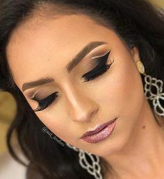 Para glitterinar a semana... Minha aluna teve um imprevisto e não pode vir, aí aproveitei a modelo e decidi inventar moda! #nathaliateodoromakeup #makeupclass