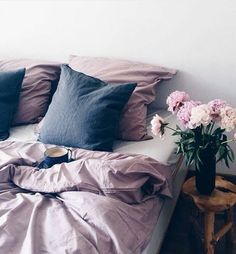 Imagem de bed, flowers, and bedroom