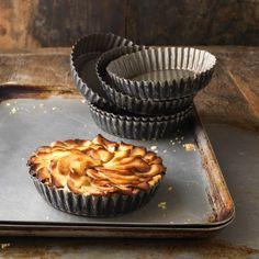 Découvrez la recette Tarte aux pommes sans pâte sur cuisineactuelle.fr.