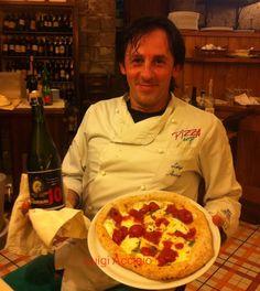 Luigi Acciaio, pizza gourmet con fior di latte Dop, pacchetelle di Piennolo del Vesuvio L'Orto di Lucullo, impasto Farina Petra 3, olio evo Dop Pregio, basilico