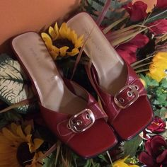 ❤️CROFT AND BARROW RUBY RED SLIDE IN HEELS❤️ Cute slide in heels with a buckle on the top.. Gently used Croft & Barrow Shoes Heels