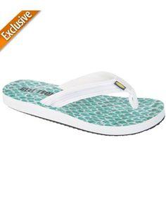 b069c5f42af 7 Best Women s Footwear images