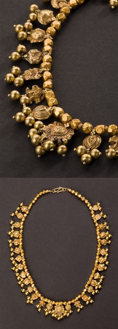 Central India | Wedding necklace with 29 pendants; 22k gold | ca. Early 20th century.  Maharashtra  | 3'800€ ~ sold