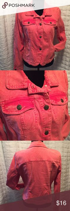 """Distressed Jean jacket pink/red L Distressed jean jacket from red to pink with some light distressing in the fabric.  Beautiful spring color, two button front chest pockets, slat waist pockets and button front.  This jacket has some awesome detailing along front back and arms. Stretch denim by Anna, Liz Claiborne in size large.  Measures; Chest; 40"""" Waist; 38"""" Length;  21"""" Liz Claiborne Jackets & Coats Jean Jackets"""