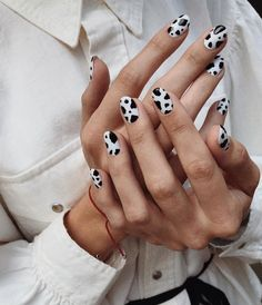 General Chat Chat Lounge cow for _________ . Nail Art Designs, Acrylic Nail Designs, Nails Design, Winter Nails, Summer Nails, Autumn Nails, French Nails, Ongles Beiges, Cow Nails