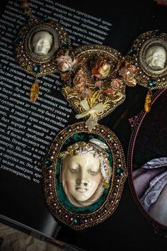 Oval portrait. Necklace. Swarovski, stones, beads, vintage ©