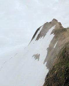Ich mag Orte, die mich daran erinnern, wie klein ich und meine Probleme gerade sind ;) Mount Everest, Mountains, Nature, Travel, Outdoor, Places, Outdoors, Viajes, Traveling