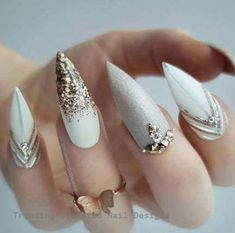 77 besten Stiletto Nail Art Designs 2019 Nail Desing nail designs in gold Nail Art Designs, White Nail Designs, Simple Nail Designs, Nails Design, Gold Designs, French Nails, Nail Art Mat, Nail Stiletto, Nail Art Blanc
