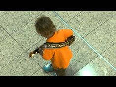 Watch out Clapton... here comes that  Cute Boy Guitarist Spontaneous Performance @ Paragon (20 Aug 10) -  Fabi...
