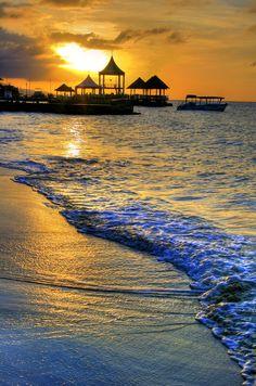 #Giamaica per una vacanza, tra vegetazioen tropicale e spiagge da urlo. Andateci grazie ai nostri biglietti aereo low cost www.volagratis.com/offerte/voli/giamaica