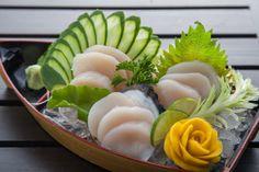 Sushi Ideas, Sushi Art, Asian Recipes, Ethnic Recipes, Fusion Food, Seafood Restaurant, Foods To Eat, Sashimi, Seafood Dishes