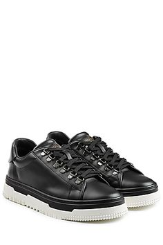Leather Contrast Sole Sneakers - Valentino | STYLEBOP.com