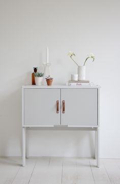 Grey cupboard / leather handles