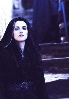 49/60 pictures of Morgana Pendragon