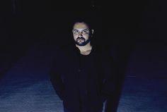 """Oscar Hauyon y una vida post-apocalíptica en su nuevo disco """"La Trampa de la…"""