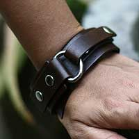 Shop for Handmade Men's Leather 'Bold Brown' Bracelet (Indonesia). Get free delivery On EVERYTHING* Overstock - Your Online Jewelry Shop! Copper Jewelry, Leather Jewelry, Leather Bracelets, Bracelets For Men, Fashion Bracelets, Bracelet Men, Braided Bracelets, Fashion Jewelry, Leather Cuffs