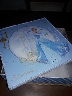 Caixa Com tema Disney da Cinderela, encontre todos os Papéis de Scrap em nosso site! Acesse agora:www.palaciodaarte.com.br/disney entregamos para todo o Brasil! O melhor Preço!  #palaciodaarte #scrap #scrapdisney #disney #princesa #scrapcinderela  #artesanato