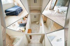 Общение сближает: открытая планировка дома поможет домочадцам чаще разговаривать друг с другом #FAQinDecor #design #decor #architecture #interior #art #дизайн #декор #архитектура #интерьер